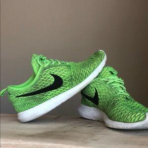 Nike Men's Flyknit Roshe Run Lime Green